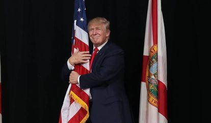 Donald Trump durante comício na Flórida, em outubro de 2016.