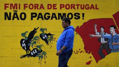 Pichações em Lisboa contra as políticas da troika.