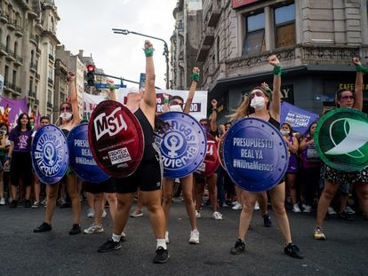 Argentinas protestam em Buenos Aires, neste 8 de março.