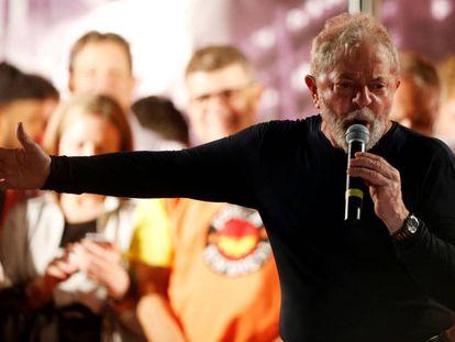 O ex-presidente Lula nesta quarta-feira em um ato em Curitiba.