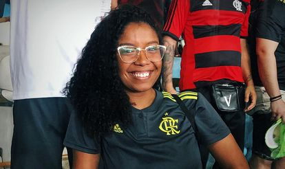 Thais em jogo do Flamengo no Maracanã.