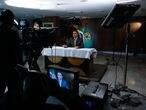 O presidente Jair Bolsonaro durante gravação de pronunciamento oficial sobre vacinas contra covid-19.