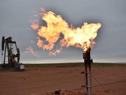 Poço petrolífero em Watford City (Dakota do Norte, EUA), em imagem feita em agosto.