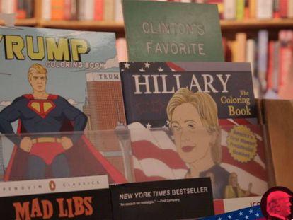 Gibis de Trump e Clinton numa livraria de Washington. /EPV