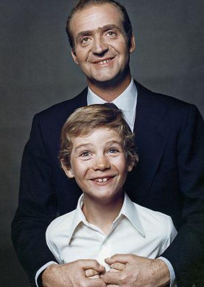 O Rei Juan Carlos e Felipe VI, em 1977.