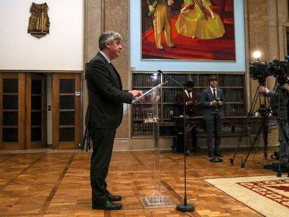 O presidente do Eurogrupo, Mário Centeno, fala a jornalistas após uma reunião virtual dos ministros da zona euro, na semana passada, em Lisboa.