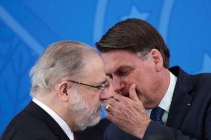 Augusto Aras e Jair Bolsonaro em abril de 2020.