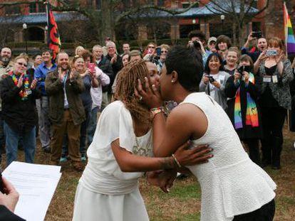 Yashinari Effinger e Adrian Thomas se casam nesta semana no Alabama.