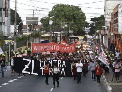 Ato contra a tarifa em São Miguel Paulista.