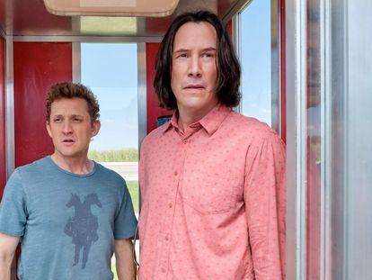 Alex Winter e Keanu Reeves em 'Bill e Ted: encare a música'.