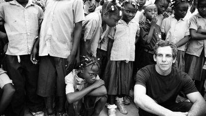 O ator Ben Stiller, em uma campanha da Omaze para arrecadar fundos em apoio à educação de crianças ao redor do mundo.