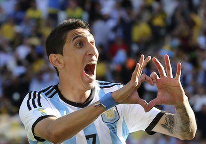 Di María comemora seu gol contra a Suíça.