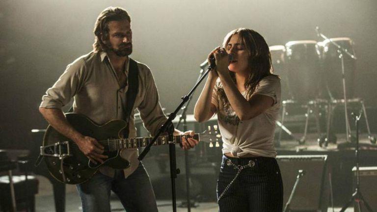 Bradley Cooper e Lady Gaga em 'Nasce uma Estrela'.