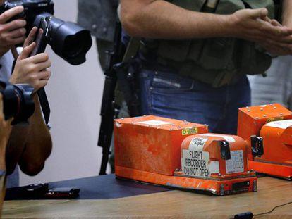 Caixas pretas recuperadas do MH017.