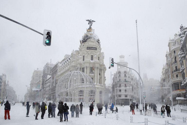 Vista da Gran Vía, em Madri, na manhã deste sábado.