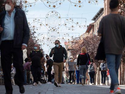 Uma rua de Alcalá de Henares, na Comunidade de Madri.