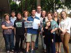 O então juiz Sergio Moro com apoiadores em Curitiba.