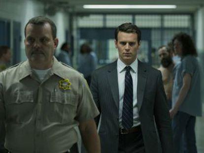 Depois de  House of Cards , o cineasta volta à televisão no Netflix para desvendar os assassinos em série