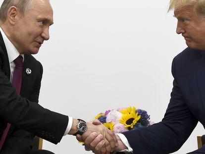 Donald Trump e Vladimir Putin em uma foto de arquivo de 2019.