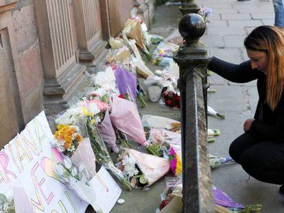 Atentado suicida em show de Ariana Grande deixa 22 mortos e mais de 50 feridos em Manchester