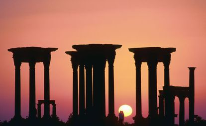 Pôr do sol nas ruínas da cidade de Palmira.