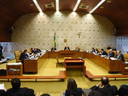 Brazil's Supreme Federal Tribunal (STF) during a session to discuss the impeachment of President Dilma Rousseff in Brasilia, on December 16, 2015. . AFP PHOTO/EVARISTO SA