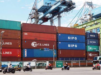 O porto comercial de Keelung, em Taiwan.