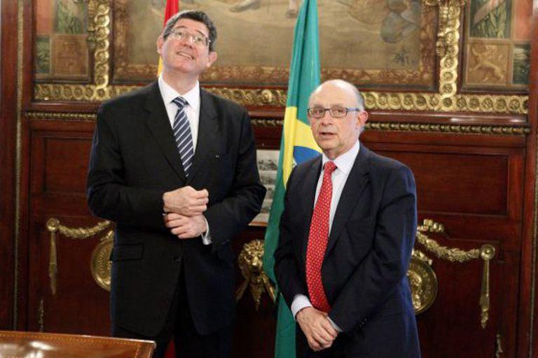 Os ministros da Fazenda do Brasil, Joaquim Levy, e da Espanha, Cristóbal Montoro, no dia 7, em Madri.