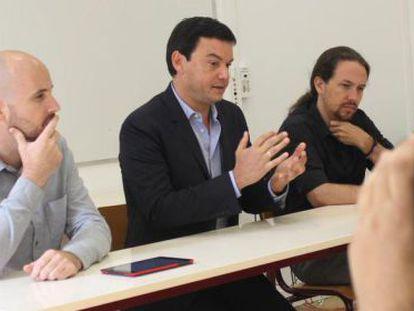 Nacho Álvarez, Thomas Piketty e Pablo Iglesias, nesta segunda em Paris.