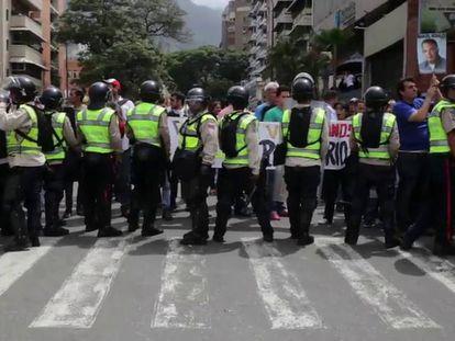 Repressão do chavismo bloqueia mobilização da oposição nas ruas