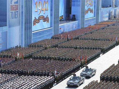 Rússia comemora vitória sobre os nazistas com desfile boicotado pela UE