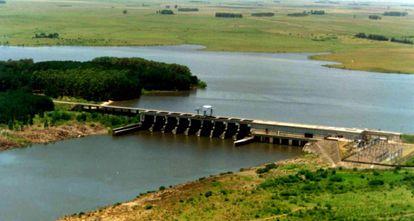 Uma represa no Uruguai.