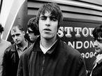 Em primeiro plano, Liam Gallagher com os outros integrantes do Oasis, em 1994.