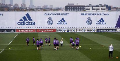 O Real Madrid, em treinamento antes do clássico.