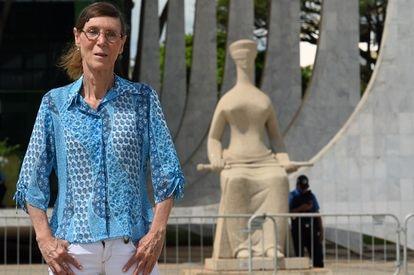 Maria Luiza da Silva, primeira cabo transexual das Forças Armadas do Brasil, em Brasília.