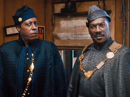 Arsenio Hall e Eddie Murphy em 'Um Príncipe em Nova York 2'.