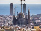 La Sagrada Família de Barcelona, vista desde el Carmel.