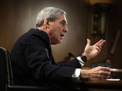 O promotor especial Robert Mueller durante uma audiência no Senado.