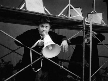 O cineasta italiano Federico Fellini.