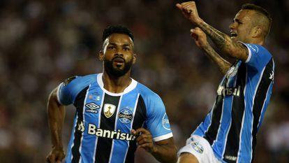Fernandinho e Luan marcaram na final contra o Lanús.