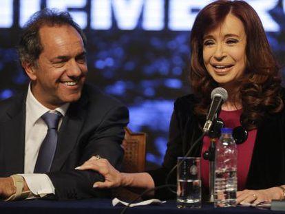 A presidenta Cristina Fernández com Daniel Scioli.