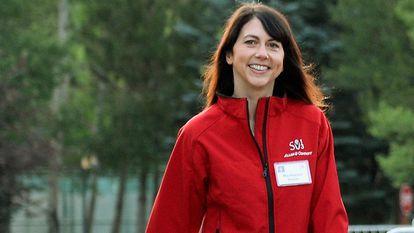 MacKenzie Scott, ex-mulher de Jeff Bezos, entra nas 20 primeiras posições, com duas mulheres saindo.