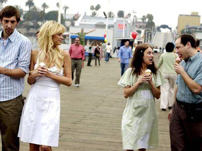 Joel Moore, Paris Hilton, Christine Lakin e Adam Kulbersh na comédia de 2008 'A Gostosa e a Gosmenta'.