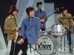 Desde la izquierda, Dave Davies, Ray Davies, Peter Quaife y Mick Avory de The Kinks en 1968.