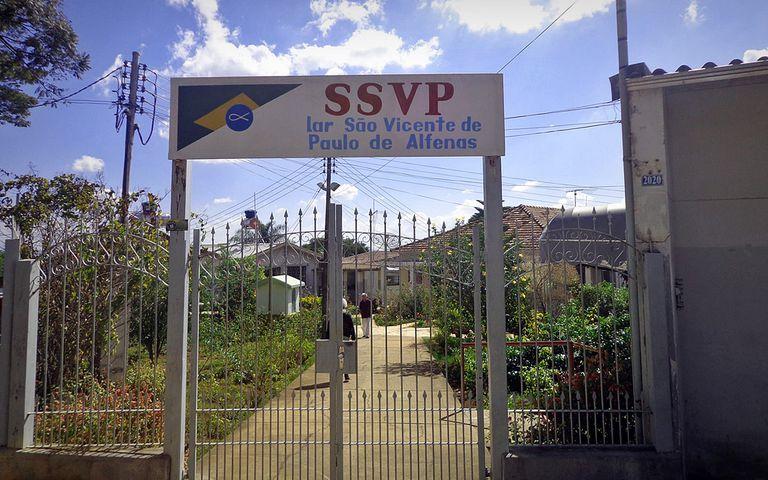 Lar São Vicente de Paulo, em Alfenas.
