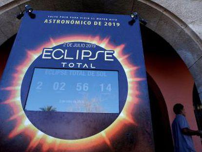 Único eclipse solar total do ano pode ser observado na Argentina e no Chile nesta terça-feira, e parcialmente no Brasil. Porto Alegre (RS) terá a melhor visibilidade do fenômeno