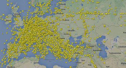 Às 19h (13h em Brasília) da sexta-feira, 18 de julho, nove aviões sobrevoavam o espaço aéreo ucraniano. Apenas um deles voava sobre a zona da catástrofe, um Boeing 737 da Ukraine International Airlines. As outras oito eram aeronaves bielorrussas (2), outra ucraniana, uma da Sibéria, uma turca, uma húngaro-polaca, e uma da Lufthansa.