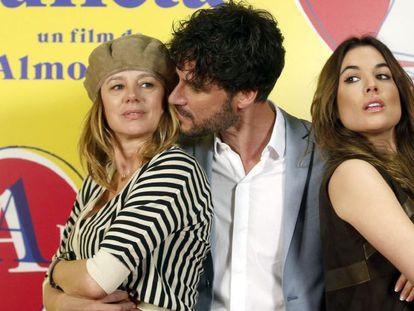 Emma Suárez, Daniel Grao e Adriana Ugarte, protagonistas de 'Julieta' na segunda-feira em Barcelona.