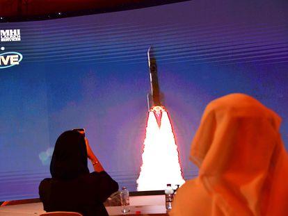 Foto tirada em 19 de julho em Dubai, durante a partida da missão 'Al Amal'.