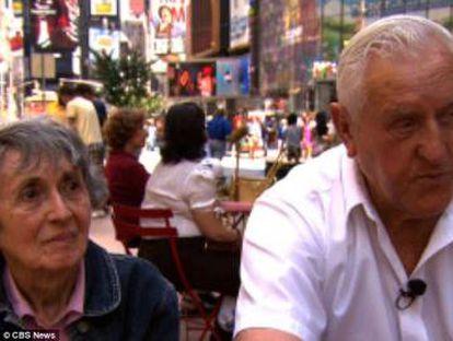 Greta Zimmer e George Mendonsa em Times Square em 2012.